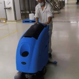 奥利奥饼干工厂再次选择优尼斯手推式洗地机