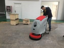 苏州洗地机,操作指南之实际使用步骤