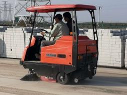 无锡驾驶式扫地机,地面清扫解决方案