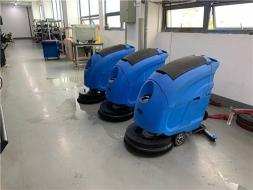 苏州昆山工厂用手推式洗地机清洁地面有哪些技巧