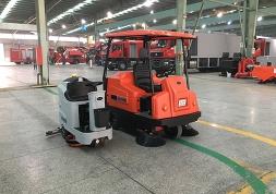 江阴工厂车间需要电动扫地机