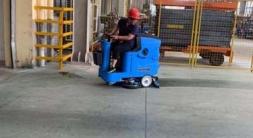 东台洗地机助力工业工厂车间地面清洁