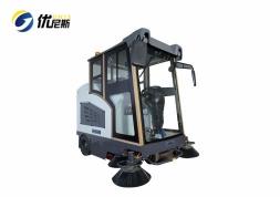 优尼斯UNS2000全封闭式扫地车|驾驶式扫地机|道路电动清扫车